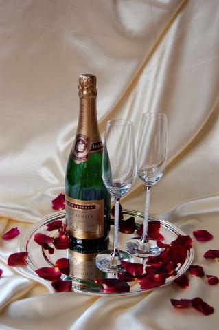le petale petales de roses pour votre mariage. Black Bedroom Furniture Sets. Home Design Ideas